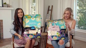 FabFitFun.com TV Spot, 'Fun Surprises' Featuring Maddie & Tae - Thumbnail 4