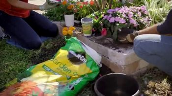 The Home Depot TV Spot, 'Today Is the Day: Vigoro Mulch' - Thumbnail 3