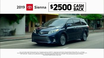 2019 Toyota Sienna TV Spot, 'Rolled Into One' [T2] - Thumbnail 5