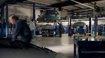 AT&T Wireless TV Spot, 'OK: Mechanic' - Thumbnail 1