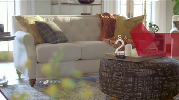 La-Z-Boy Presidents Day Sale TV Spot, 'Held Over: Save 25 Percent' - Thumbnail 3