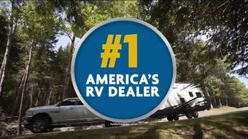 Camping World 9th Annual RV Super Show TV Spot, 'Bigger and Better' - Thumbnail 7