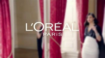 L'Oreal Paris Magic Root Cover Up TV Spot, 'La reina del drama' con Morena Baccarin [Spanish] - Thumbnail 1