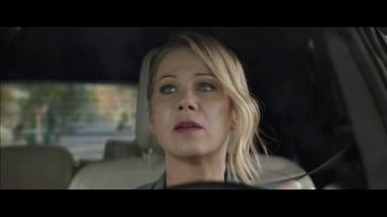 M&M's Super Bowl 2019 TV Spot, 'Bad Passengers' Featuring Christina Applegate - Thumbnail 3