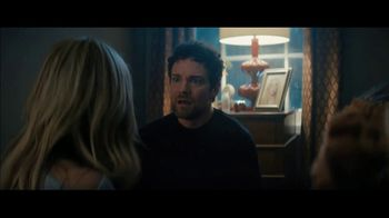Olay Super Bowl 2019 TV Spot, 'Killer Skin' Featuring Sarah Michelle Gellar - Thumbnail 4
