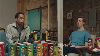 Pringles Super Bowl 2019 TV Spot, 'Sad Device' Song by Lipps Inc. - Thumbnail 4