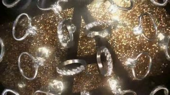 Kay Jewelers TV Spot, 'Valentine's Day Gifts' - Thumbnail 3