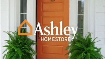 Ashley HomeStore Super Sleep Sale TV Spot, 'Final Days: Ashley Sleep Bed' - Thumbnail 1
