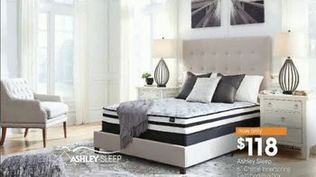 Ashley HomeStore Super Sleep Sale TV Spot, 'Final Days: Ashley Sleep Bed' - Thumbnail 4