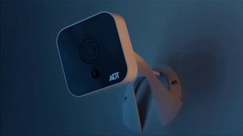 ADT Super Bowl 2019 TV Spot, 'When it Comes to Smart Home Security, Trust the Pros.' Featuring Jonathan and Drew Scott - Thumbnail 5