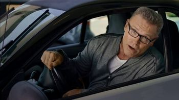 SKECHERS Wide Fit Super Bowl 2019 TV Spot, 'A Luxury Ride for Your Feet' Ft. Howie Long - Thumbnail 4