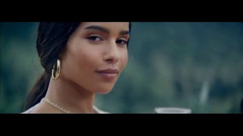 Michelob ULTRA Pure Gold Super Bowl 2019 TV Spot, 'The Pure Experience' Featuring Zoë Kravitz - Thumbnail 7