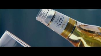 Michelob ULTRA Pure Gold Super Bowl 2019 TV Spot, 'The Pure Experience' Featuring Zoë Kravitz - Thumbnail 5