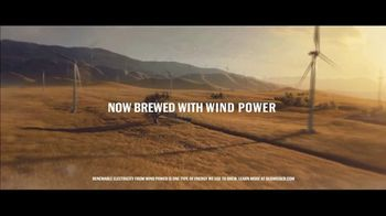 Budweiser Super Bowl 2019 TV Spot, 'Wind Never Felt Better' Song by Bob Dylan - Thumbnail 9