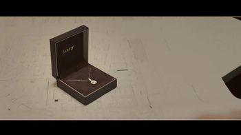 Jared TV Spot, '¿Las Distancias Separan? Pero no a nosotros.' canción de Oh Wonder [Spanish] - Thumbnail 5