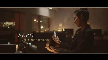 Jared TV Spot, '¿Las Distancias Separan? Pero no a nosotros.' canción de Oh Wonder [Spanish] - Thumbnail 8