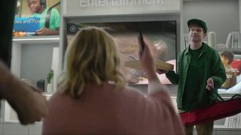 XFINITY Internet and TV TV Spot, 'Make Yourself at Home' Featuring Amy Poehler - Thumbnail 5