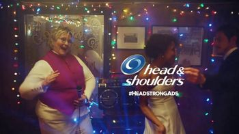 Head & Shoulders Super Bowl 2019 TV Spot, 'KC Weddings to Go' - Thumbnail 10