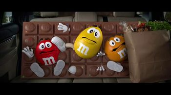 M&M's Chocolate Bar TV Spot, 'Bad Passengers' [Spanish]