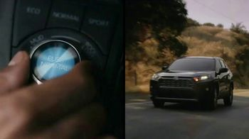 2019 Toyota RAV4 TV Spot, 'Bring the Heat' Song by Ohio Players [T1] - Thumbnail 7