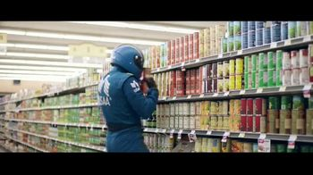 USAA Bank TV Spot,' Grocery Store' - Thumbnail 4