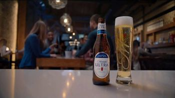 Michelob ULTRA TV Spot, 'Artificial Devices: Joke' - Thumbnail 9
