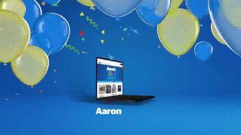 Aaron's Venta de Aniversario TV Spot, 'La celebración está en el aire' [Spanish] - Thumbnail 6