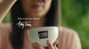 Pure Leaf Herbal Peach Hibiscus Tea TV Spot, 'Booming With Flavor' - Thumbnail 2