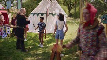 Hampton Inn & Suites TV Spot, 'Kids Pick a Vacation at Medieval Faire' - Thumbnail 4