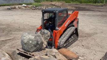 Kubota SVL Trackloaders TV Spot, 'Operate Worry-Free' - Thumbnail 4