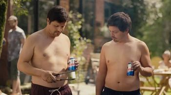 Tecate Light TV Spot, 'Six Pack' Song by A Band of Bitches - Thumbnail 4