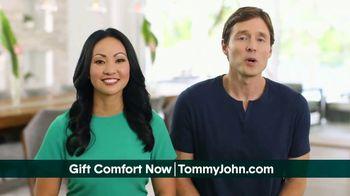 Tommy John TV Spot, 'Valentine's Day: Awkward Moments' - Thumbnail 4
