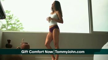 Tommy John TV Spot, 'Valentine's Day: Awkward Moments' - Thumbnail 7