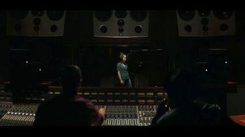 JBL Wireless Headphones TV Spot, 'Booth' Song by Shakira - Thumbnail 2