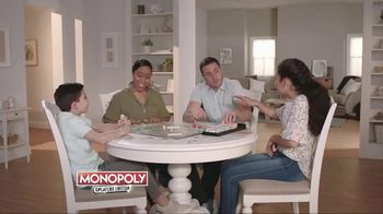 Monopoly TV Spot, 'Cheaters and Cash Grab Editions' - Thumbnail 3