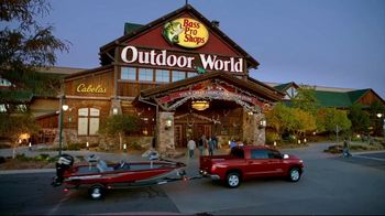 Bass Pro Shops Spring Fever Sale TV Spot, 'Fleece Jackets and Hiking Boots' - Thumbnail 1