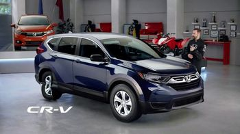 Honda Dream Garage Spring Event TV Spot, 'CR-V and HR-V' Featuring James Hinchcliffe [T2] - Thumbnail 3