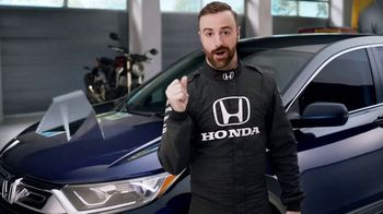 Honda Dream Garage Spring Event TV Spot, 'CR-V and HR-V' Featuring James Hinchcliffe [T2] - Thumbnail 4