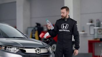 Honda Dream Garage Spring Event TV Spot, 'CR-V and HR-V' Featuring James Hinchcliffe [T2] - Thumbnail 6