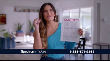Spectrum Mobile By the Gig TV Spot, 'Llama a todo el país' con Gaby Espino [Spanish] - Thumbnail 9