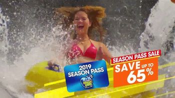 Six Flags Park Opening Season Pass Sale TV Spot, 'Hurricane Harbor Splashtown' - Thumbnail 5