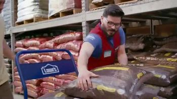 Lowe's TV Spot, 'Doing Summer Right: Vegetables and Herbs' - Thumbnail 3