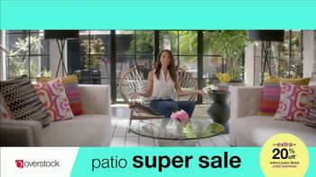 Overstock.com Patio Super Sale TV Spot, 'Table Runner' - Thumbnail 5