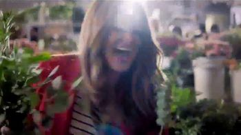 Capital One Spark Cash Card TV Spot, 'Farmgirl Flowers' - Thumbnail 9