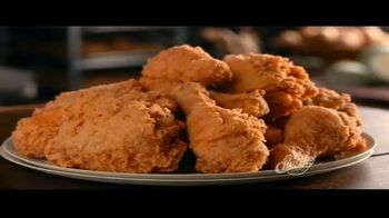 Church's Chicken Restaurants $15 Real Big Family Deal TV Spot, 'Un plato para llevar' [Spanish] - Thumbnail 5