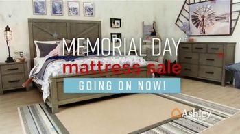 Ashley HomeStore Memorial Day Mattress Sale TV Spot, 'Any Size Mattress' Song by Midnight Riot - Thumbnail 2