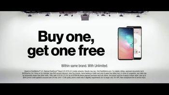Verizon TV Spot, 'Why Elaine Chose Verizon: Military Offer' - Thumbnail 9