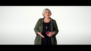 Verizon TV Spot, 'Why Elaine Chose Verizon: Military Offer' - Thumbnail 2