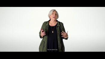 Verizon TV Spot, 'Why Elaine Chose Verizon: Military Offer' - Thumbnail 4