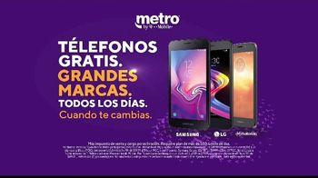 Metro by T-Mobile TV Spot, 'Zorros: teléfonos gratis' canción de Usher [Spanish] - Thumbnail 5